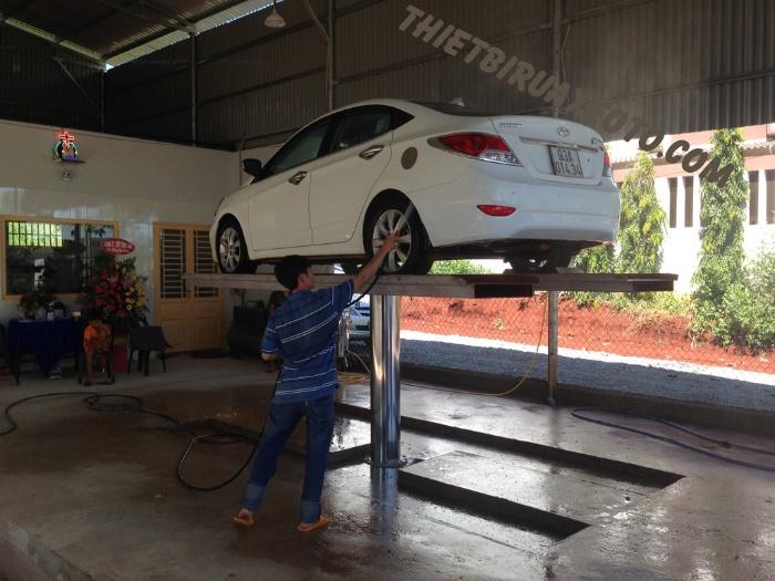 Nằm mơ thấy ô tô màu trắng đang được bố mẹ rửa
