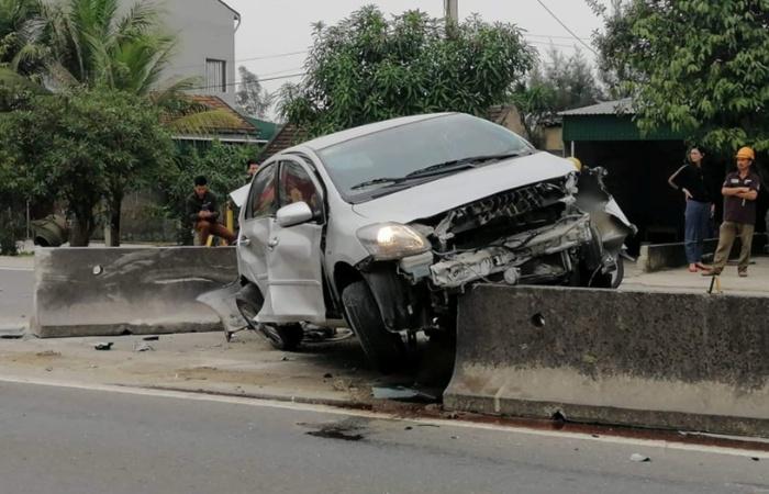 Mơ tai nạn ô tô đánh con đề gì cho chuẩn?