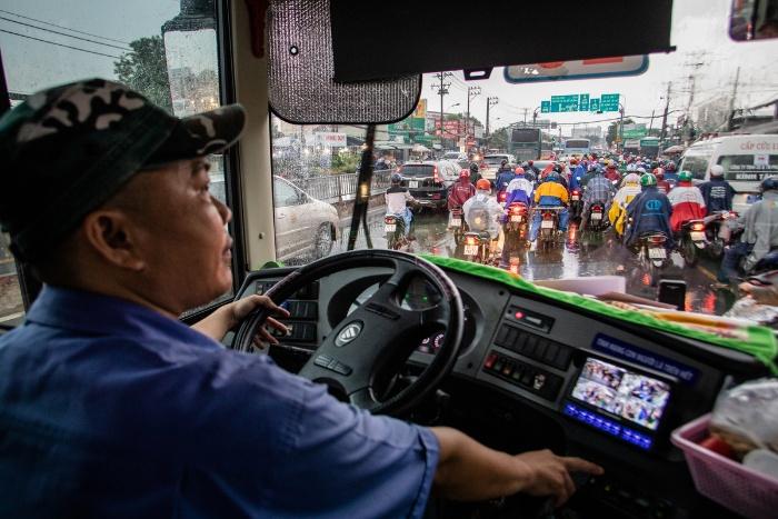 Mơ thấy người thân đang lái xe buýt quất ngay cặp số lô đề 47 - 43