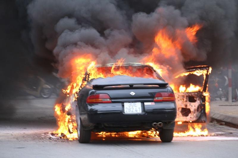Chiêm bao thấy chiếc xe hơi nhà hàng xóm bị cháy
