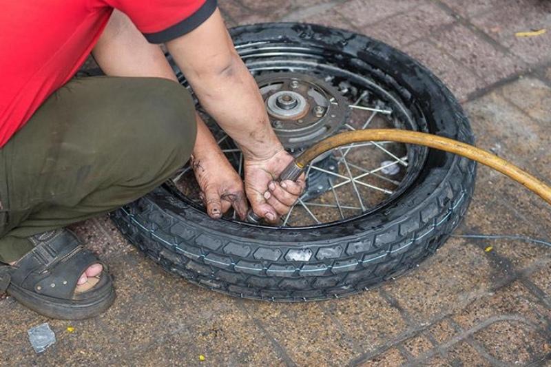 Chiêm bao thấy xe cán phải đinh bị thủng lốp chốt nhanh các số đề 96, 53 hoặc 17.